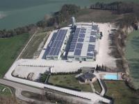 Realizzazione di un impianto fotovoltaico da 483 kWp su capannone industriale con smaltimento amianto e rifacimento copertura.